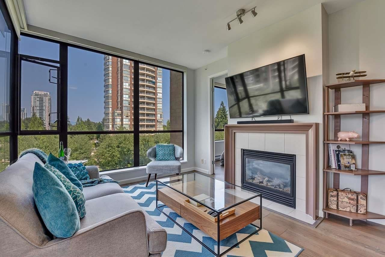 """Main Photo: 607 7368 SANDBORNE Avenue in Burnaby: South Slope Condo for sale in """"MAYFAIR PLACE"""" (Burnaby South)  : MLS®# R2598493"""