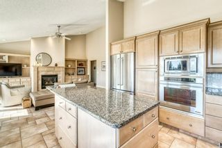 Photo 18: 555 Coach Light Bay SW in Calgary: Coach Hill Detached for sale : MLS®# A1144688