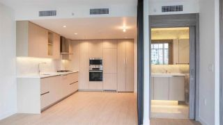 """Photo 1: 603 89 NELSON Street in Vancouver: Yaletown Condo for sale in """"THE ARC"""" (Vancouver West)  : MLS®# R2414880"""