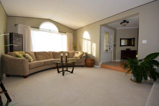 Photo 3: 10704 113 Avenue in Fort St. John: Fort St. John - City NW House for sale (Fort St. John (Zone 60))  : MLS®# R2334215
