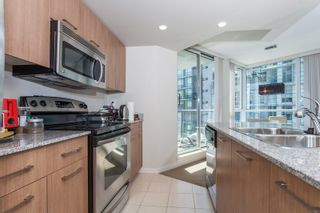"""Photo 8: 605 1212 HOWE Street in Vancouver: Downtown VW Condo for sale in """"1212 Howe"""" (Vancouver West)  : MLS®# R2091992"""
