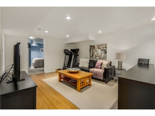 """Photo 13: Photos: 1361 E 15TH Street in North Vancouver: Westlynn House for sale in """"WESTLYNN"""" : MLS®# V1129244"""