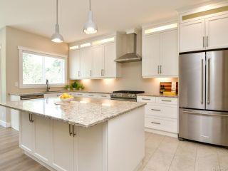 Photo 4: 3211 Nathan Pl in CAMPBELL RIVER: CR Willow Point House for sale (Campbell River)  : MLS®# 841570