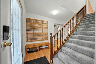 Photo 3: 63600 GAGNON Place in Hope: Hope Silver Creek House for sale : MLS®# R2589637
