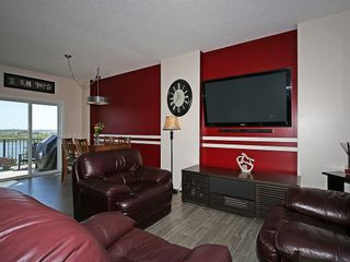 Photo 12: 451 HILLCREST Circle SW: Airdrie House for sale