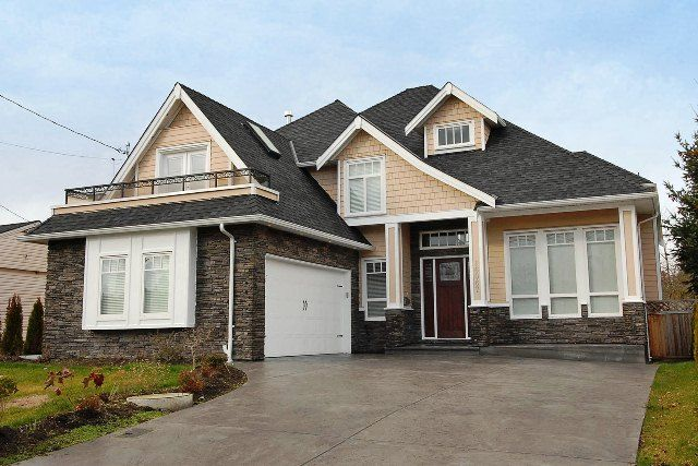 Main Photo: 16067 14TH Ave in South Surrey White Rock: Home for sale : MLS®# F1303801