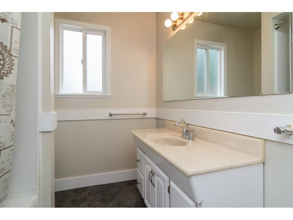 Photo 17: Photos: 9058 WRIGHT Street in Langley: Fort Langley House for sale : MLS®# R2104173