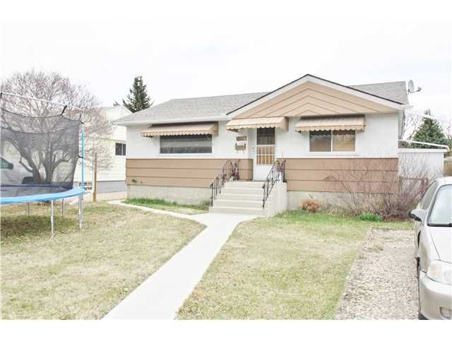 Main Photo: 3024 COCHRANE Road NW in CALGARY: Banff Trail Residential Detached Single Family for sale (Calgary)  : MLS®# C3613096