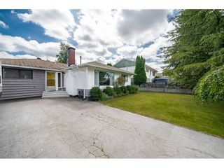 """Photo 2: 11072 146A Street in Surrey: Bolivar Heights House for sale in """"Bolivar Heights"""" (North Surrey)  : MLS®# R2388241"""
