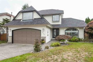 Photo 1: 9076 160A Street in Surrey: Fleetwood Tynehead House for sale : MLS®# R2408522