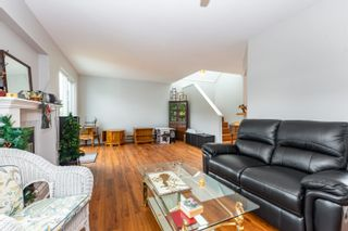 """Photo 5: 89 34959 OLD CLAYBURN Road in Abbotsford: Abbotsford East Townhouse for sale in """"Crown Point Villas"""" : MLS®# R2623831"""