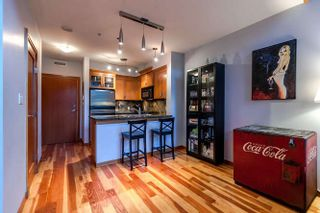 Photo 5: 105 10 RENAISSANCE SQUARE in New Westminster: Quay Condo for sale : MLS®# R2188809