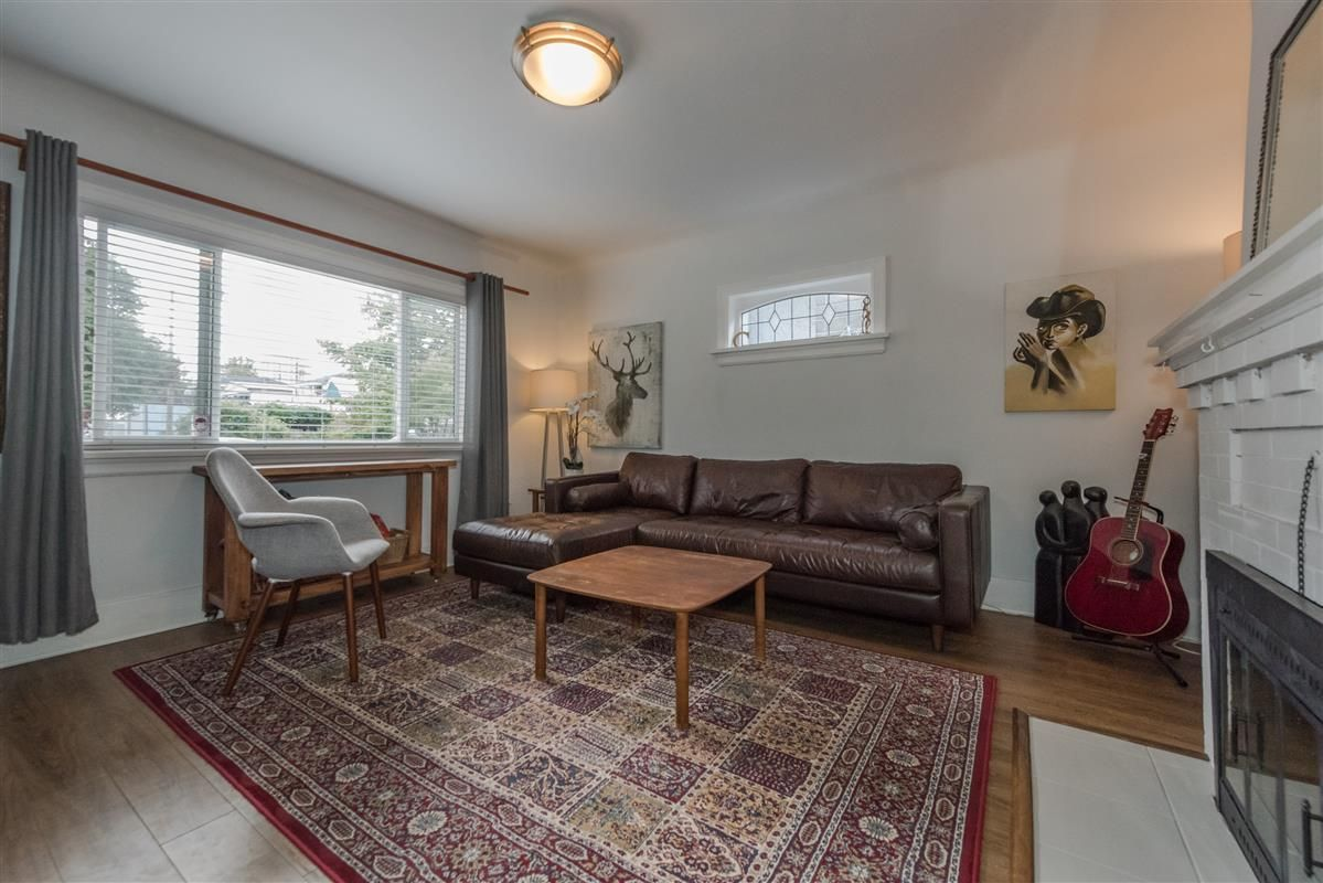 Main Photo: 2225 E 27TH AVENUE in Vancouver: Victoria VE House for sale (Vancouver East)  : MLS®# R2206387