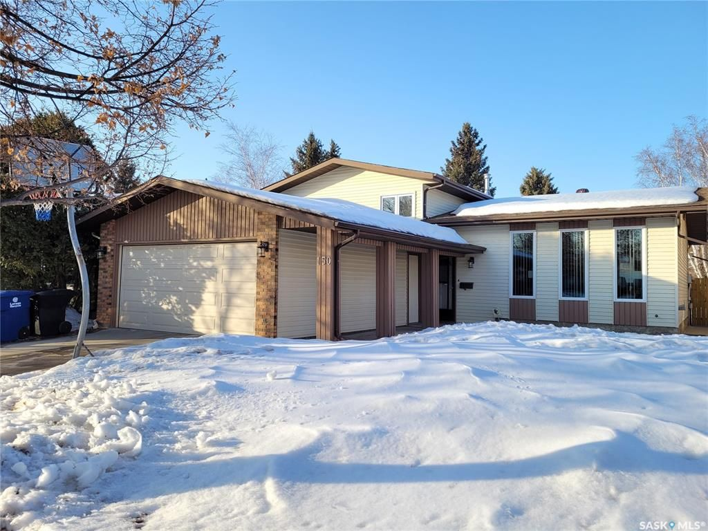 Main Photo: 150 Rao Crescent in Saskatoon: Silverwood Heights Residential for sale : MLS®# SK844321