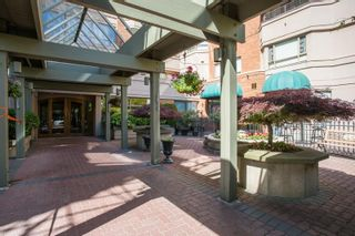 """Photo 3: 408 15111 RUSSELL Avenue: White Rock Condo for sale in """"PACIFIC TERRACE"""" (South Surrey White Rock)  : MLS®# R2590642"""