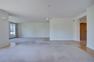 """Photo 7: 202 5850 BALSAM Street in Vancouver: Kerrisdale Condo for sale in """"THE CLARIDGE"""" (Vancouver West)  : MLS®# R2603939"""