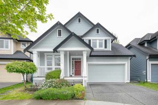 """Photo 1: 7038 181B Street in Surrey: Cloverdale BC House for sale in """"Cloverdale"""" (Cloverdale)  : MLS®# R2574899"""