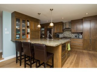 Photo 2: 2045 OCEAN CLIFF PLACE in Surrey: Crescent Bch Ocean Pk. House for sale (South Surrey White Rock)  : MLS®# R2027705