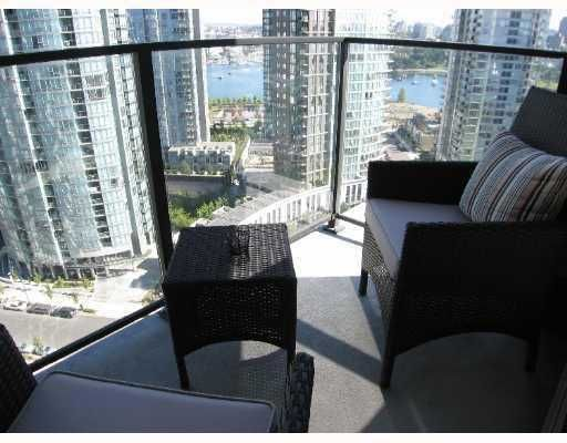 """Photo 10: Photos: 583 BEACH Crescent in Vancouver: False Creek North Condo for sale in """"TWO PARKWEST"""" (Vancouver West)  : MLS®# V634850"""
