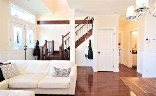 """Photo 3: 6212 NEVILLE Street in Burnaby: South Slope 1/2 Duplex for sale in """"South Slope"""" (Burnaby South)  : MLS®# R2570951"""