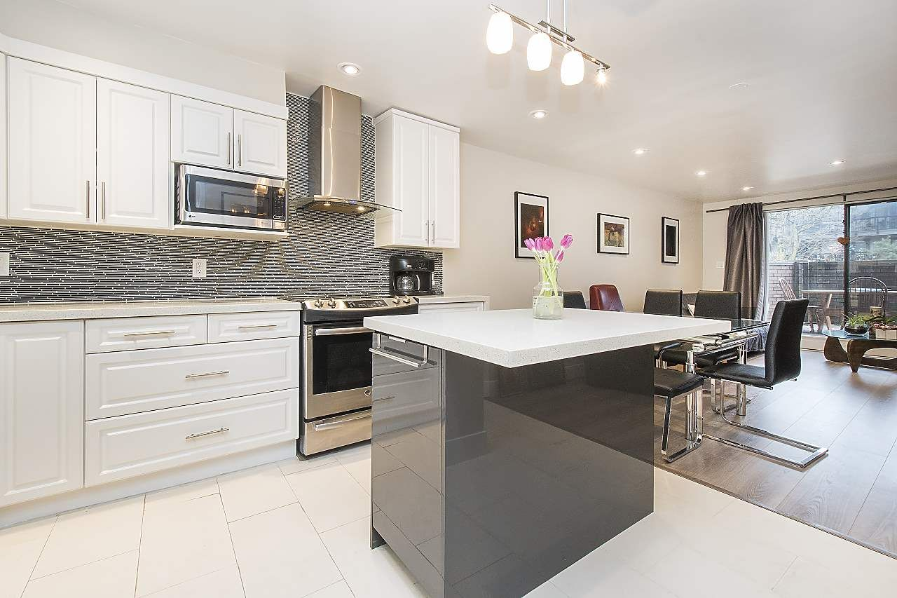 """Main Photo: 113 1770 W 12TH Avenue in Vancouver: Fairview VW Condo for sale in """"Granville West"""" (Vancouver West)  : MLS®# R2245067"""