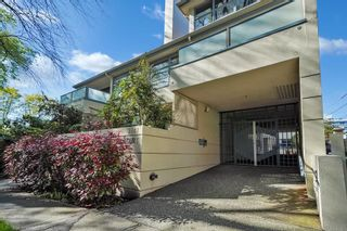 """Photo 3: 202 3641 W 28TH Avenue in Vancouver: Dunbar Condo for sale in """"KENSINGTON COURT"""" (Vancouver West)  : MLS®# R2576737"""