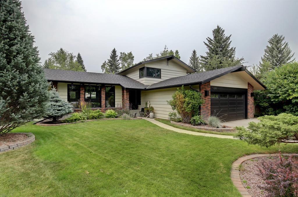 Main Photo: 164 Park Estates Place SE in Calgary: Parkland Detached for sale : MLS®# A1136798