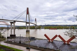 """Photo 17: 505 125 COLUMBIA Street in New Westminster: Downtown NW Condo for sale in """"NORTHBANK"""" : MLS®# R2158737"""