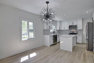 Photo 12: 2445 Elmwood Drive SE in Calgary: Southview Detached for sale : MLS®# A1119973