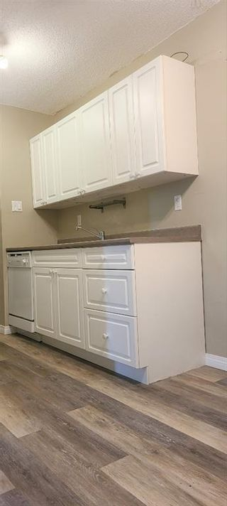 Photo 3: 101 3518 44 Street SW in Calgary: Glenbrook Apartment for sale : MLS®# A1093366