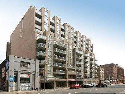 Main Photo: 7 330 E Adelaide Street in Toronto: Moss Park Condo for sale (Toronto C08)  : MLS®# C2682903