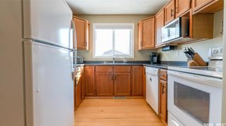Photo 5: 122 Stacey Crescent in Saskatoon: Dundonald Residential for sale : MLS®# SK803368