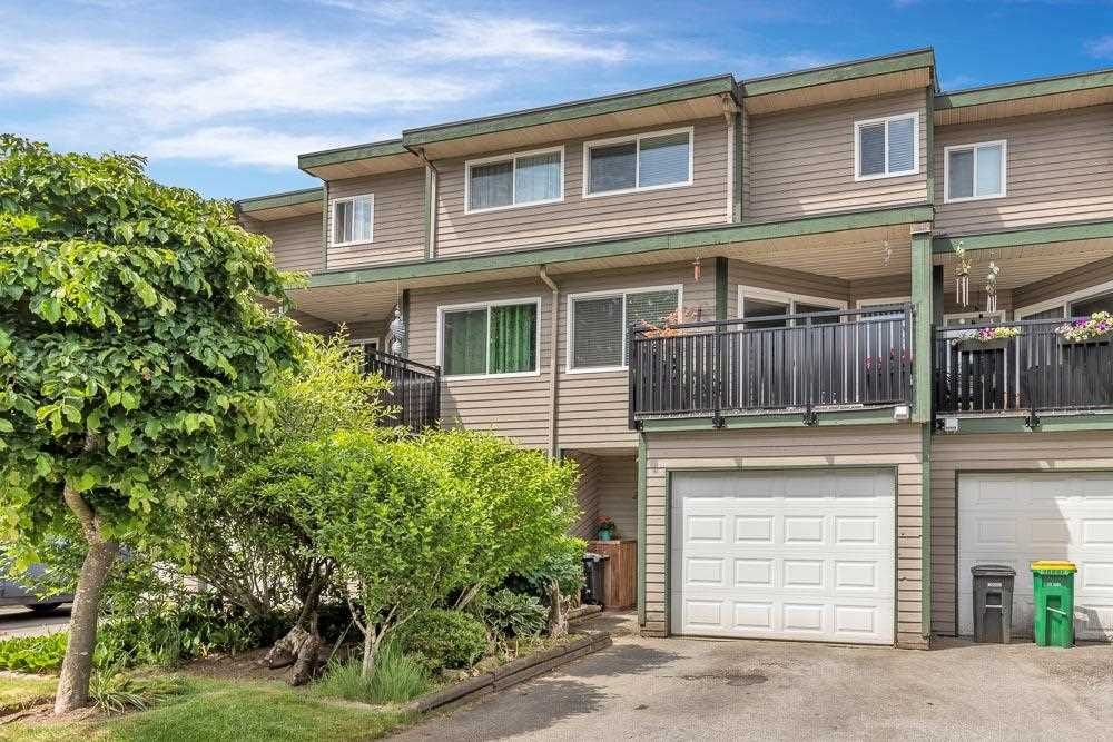 Main Photo: 24 12120 189A STREET in Pitt Meadows: Central Meadows Townhouse for sale : MLS®# R2590014