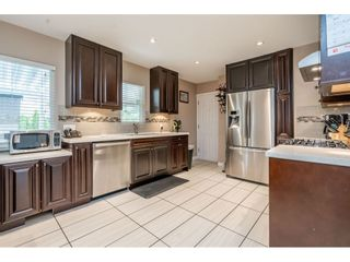 Photo 2: 534 BLUE MOUNTAIN Street in Coquitlam: Coquitlam West House for sale : MLS®# R2460178