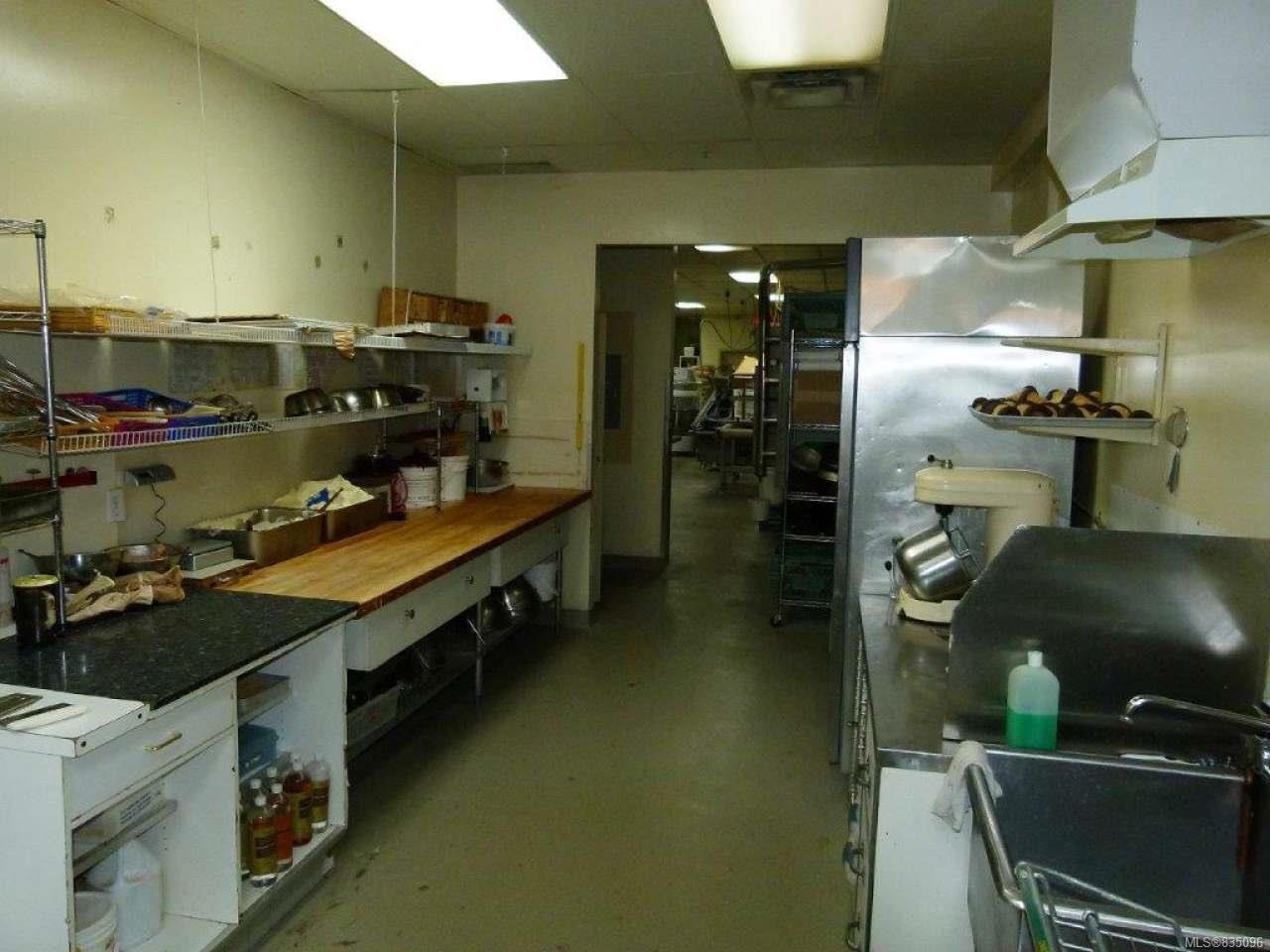 Photo 12: Photos: 2025 Bowen Rd in NANAIMO: Na Central Nanaimo Mixed Use for sale (Nanaimo)  : MLS®# 835096
