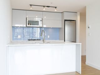 Photo 5: 3405 128 CORDOVA STREET in Vancouver West: Downtown VW Home for sale ()  : MLS®# R2098989