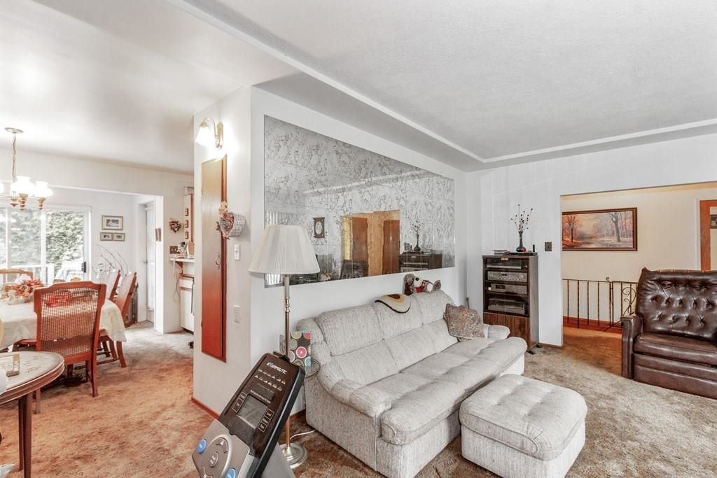 Photo 5: Photos: 1038 MARIGOLD Avenue in North Vancouver: Canyon Heights NV House for sale : MLS®# R2577593