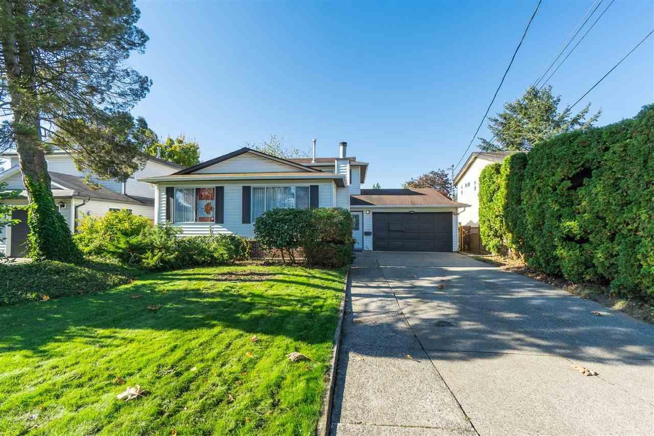 "Main Photo: 9483 210 Street in Langley: Walnut Grove House for sale in ""Walnut Grove"" : MLS®# R2511866"