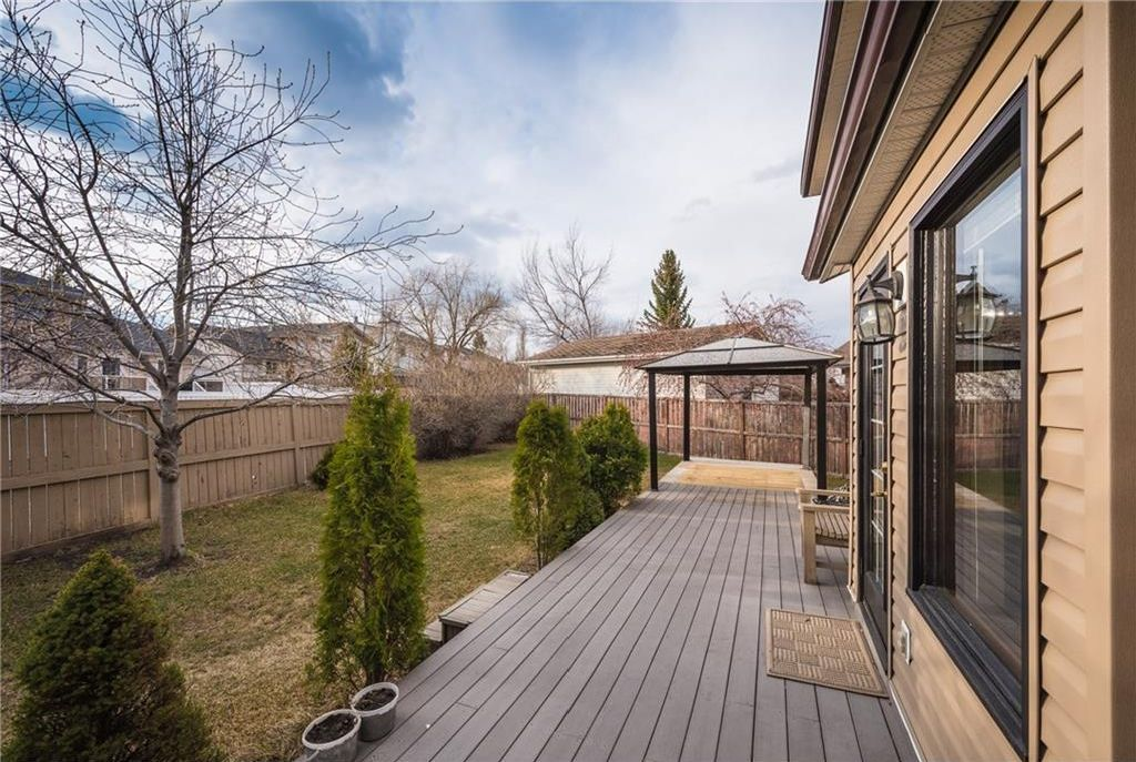 Photo 21: Photos: 25 Shannon Green SW in Calgary: Shawnessy House for sale : MLS®# C4140959