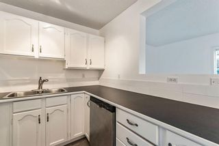 Photo 11: 56 Somervale Park SW in Calgary: Somerset Row/Townhouse for sale : MLS®# A1140021