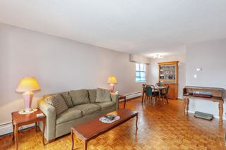 """Photo 5: 307 2025 W 2ND Avenue in Vancouver: Kitsilano Condo for sale in """"THE SEABREEZE"""" (Vancouver West)  : MLS®# R2620558"""