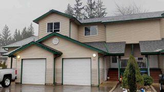 "Photo 1: 80 39920 GOVERNMENT Road in Squamish: Garibaldi Estates Townhouse for sale in ""Shannon Estates"" : MLS®# R2329625"