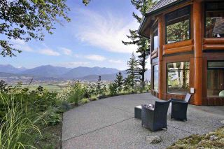 """Photo 29: 8400 GRAND VIEW Drive in Chilliwack: Chilliwack Mountain House for sale in """"Chilliwack Mountain"""" : MLS®# R2483464"""