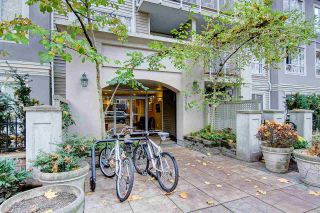 """Photo 18: 301 2755 MAPLE Street in Vancouver: Kitsilano Condo for sale in """"THE DAVENPORT"""" (Vancouver West)  : MLS®# R2122011"""