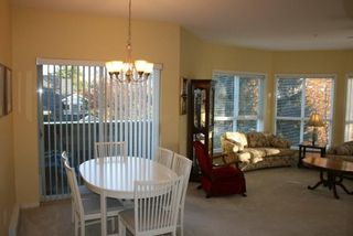 Photo 3: 203 1630 154 Street in Carlton Court: Home for sale : MLS®# F2925262