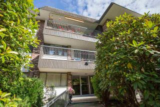 """Photo 2: 103 1330 MARTIN Street: White Rock Condo for sale in """"THE COACH HOUSE"""" (South Surrey White Rock)  : MLS®# R2517158"""
