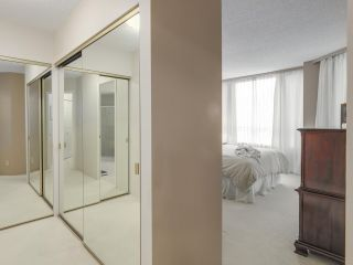 """Photo 14: 301 2189 W 42ND Avenue in Vancouver: Kerrisdale Condo for sale in """"GOVERNOR POINT"""" (Vancouver West)  : MLS®# R2098848"""