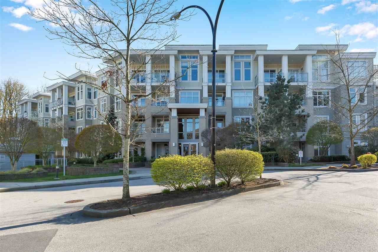 "Main Photo: 409 15428 31 Avenue in Surrey: Grandview Surrey Condo for sale in ""Headwaters phase 1"" (South Surrey White Rock)  : MLS®# R2566001"