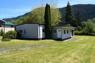 Photo 2: 112 School Hill Rd in : NI Tahsis/Zeballos Manufactured Home for sale (North Island)  : MLS®# 879754