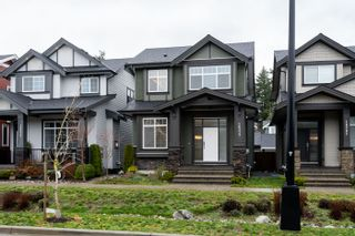 Photo 2: 16777 22A Avenue in Surrey: Grandview Surrey House for sale (South Surrey White Rock)  : MLS®# R2335593